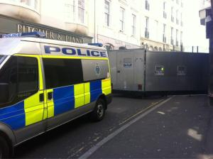 Btn street barricade_21.04.13