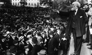 Keir Hardie speaking in Trafalgar Square, 1914