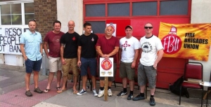 Preston Circus picket line_up